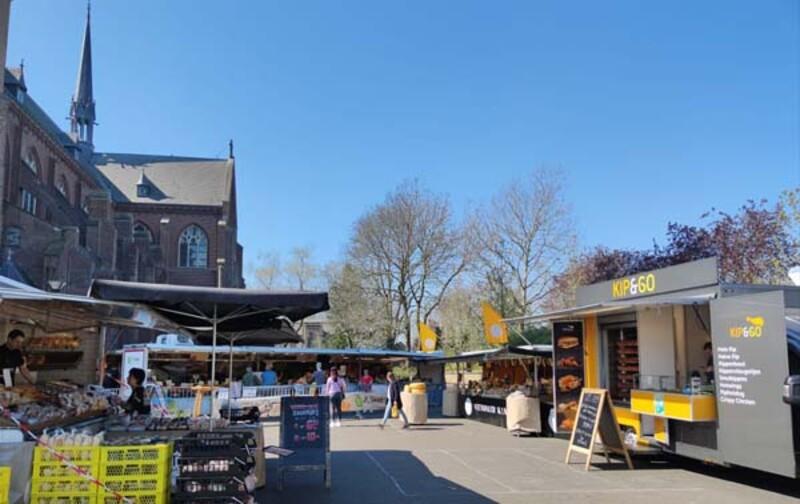 Mooiberghem Nl Steeds Drukker Op De Markt Van Berghem Voor Verse En Kwalitatieve Produkten