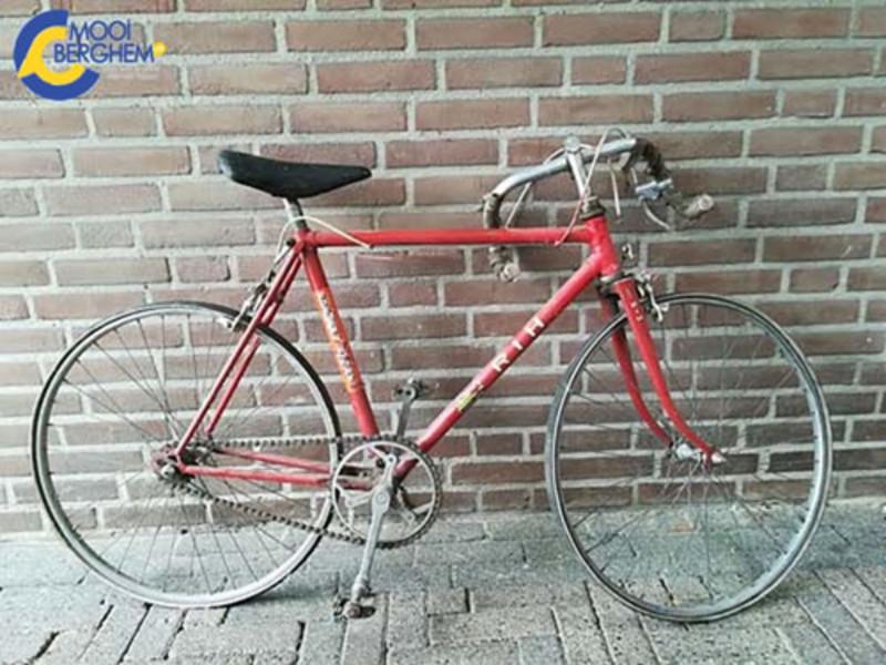 Goede Mooiberghem.nl - Antwoord Wie o Wie nr 8, van wie was deze oude EE-74