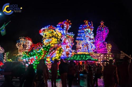carnavalsvereniging de kwkers wonnen gisteren ook de helmondse lichtjes parade voor de laatste keer kon de winnaar van de verlichte optocht van berghem